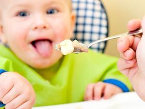 米糊喂食不当小心威胁宝宝生命 喂食谨记五要点