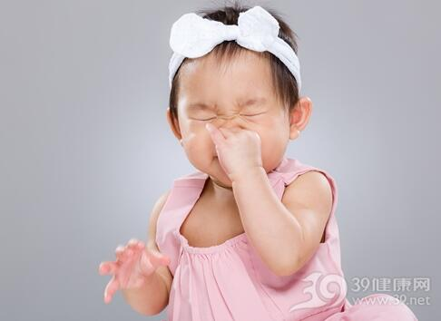 宝宝打喷嚏就是感冒了吗?